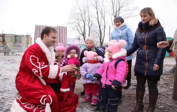 С Новым годом! Поздравление воспитанников Гадиловичского детского сада
